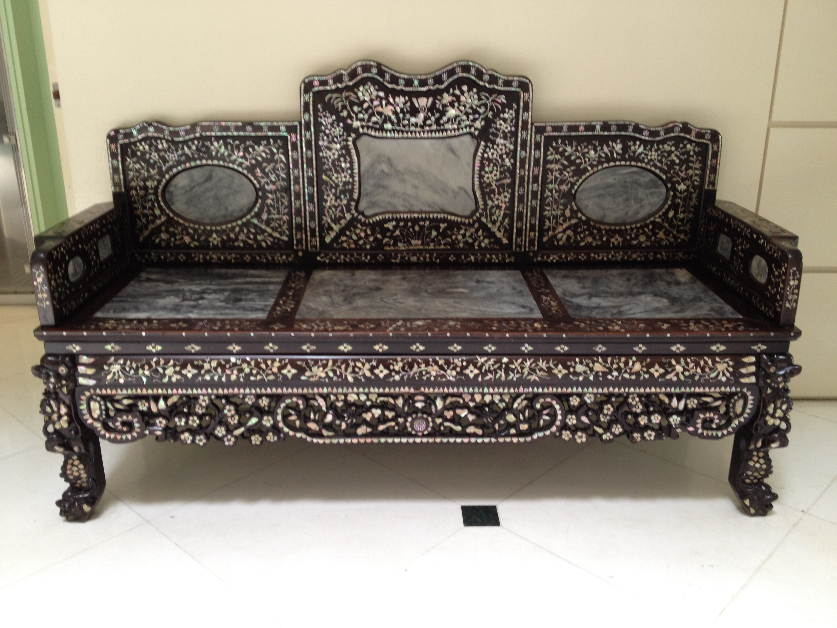 les peranakans les glises et les temples blog d 39 isabelle. Black Bedroom Furniture Sets. Home Design Ideas