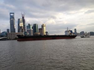 Gros bateau marchand